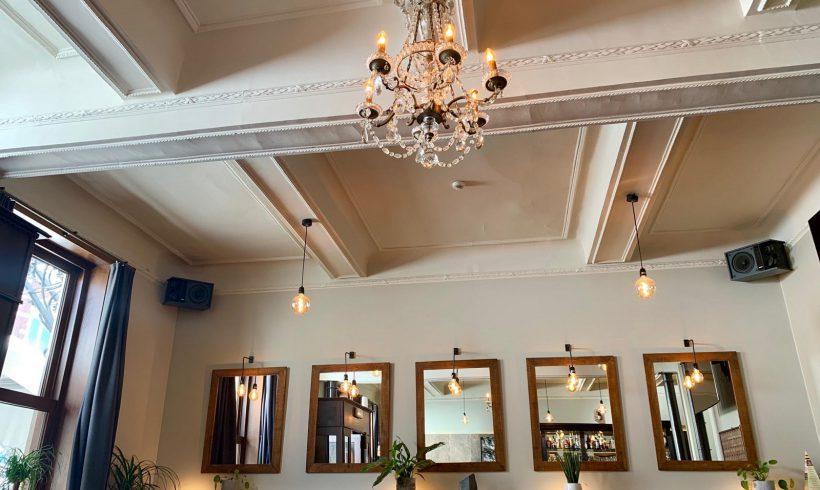 Interieur en afwerking café Au Phare (Tongeren)