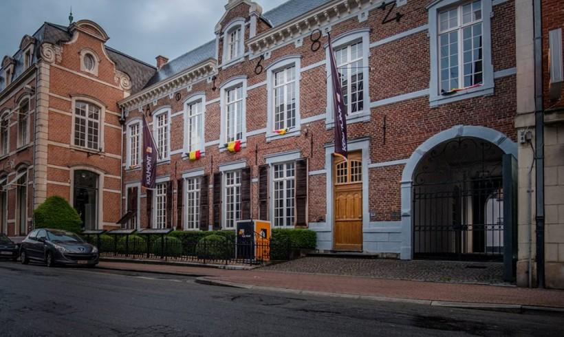 Buitenschilderwerken, interieur en afwerking historisch handelspand (Hasselt)