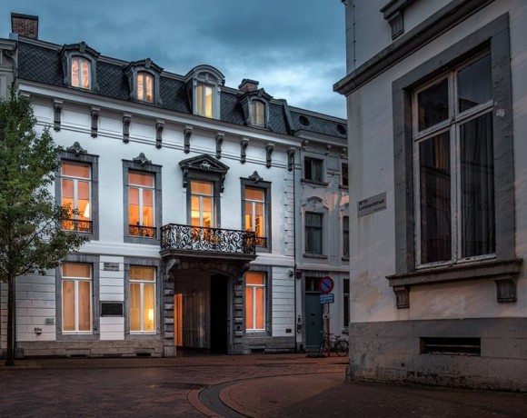Buitenschilderwerken stijlvolle stadswoning (Hasselt)